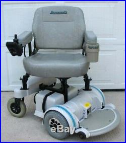 BEAUTIFUL Hoveround MPV5 300lbs Power Wheelchair w Foot Rest New Batteries