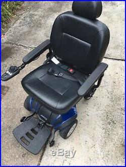 EXCELLENT CONDITION JAZZY SELECT ELITE POWER CHAIR withNEW BATTERIES +ACCESSORIES