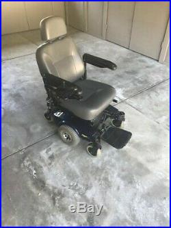 Electric Wheelchair Invacare M51/M61 lightly used great shape new battery 2017