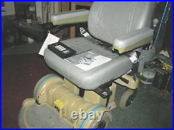 Hoveround Power Chair MPV5 has very low use, new Batteries