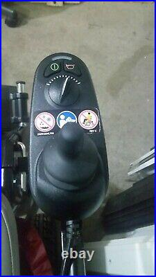 JAZZY ELECTRIC WHEELCHAIR POWERCHAIR PICKUP ONLY NO SHIPPING needs batteries