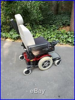 Jazzy 614 HD Mobility Chair Complete Excellent Condition, withBattery and Charger