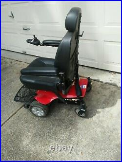 Jazzy Elite Power Chair 2 NEW BATTERIES, Pride Mobility, very clean