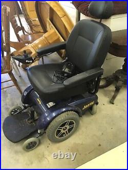 Jazzy Select 14 Front Wheel Drive Power Wheelchair, New Batteries