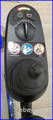 Jazzy Select 6 Captain's Seat Power Wheelchair New Batteries Installed