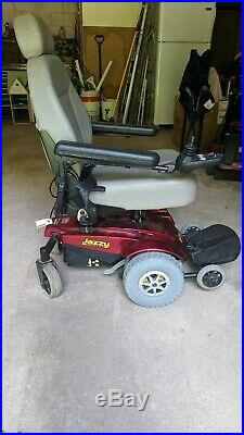 Jazzy Select GT Powered Scooter Wheelchair. (New Batteries) Red