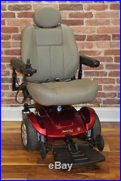 Jazzy Select Gt Power Chair With Brand New Batteries 300 Pound Weight Limit