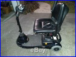 Lynx 3 wheel ELECTRIC POWER CHAIR blue and Charger included new battery