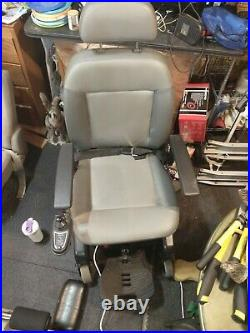 MAKE AN OFFER! Freestyle By Quickie Mobility Chair Working Batteries and Charger