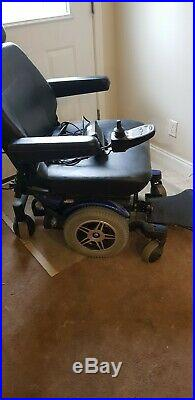 Pride Jazzy 600 power chair works well brand new batteries great power-chair