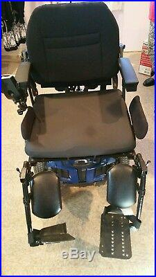 QUANTUM Q6 EDGE SERIES POWER CHAIR. Never used, great condition, strong battery