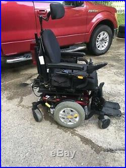 Quantum edge power Wheelchair Works Great! New Batteries! And Charger