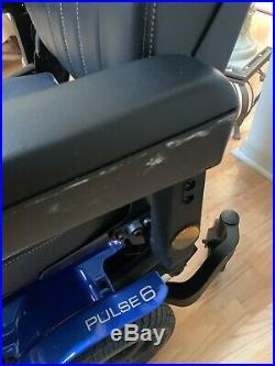 Quickie Pulse 6 Blue Electric Power Chair with Charger Needs New Batteries