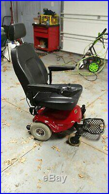 Shoprider Streamer Electric Power WHEELCHAIR, NEW BATTERY
