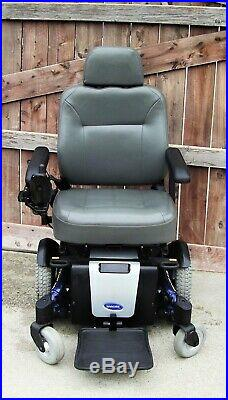 TDX SP electric Power wheelchair 1hr of use on chair COME WITH LIKE N BATTERIES