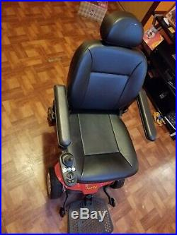 Used Jazzy Select Elite PowerChair with Charger 300LBSCAPACITY. Battery not incl